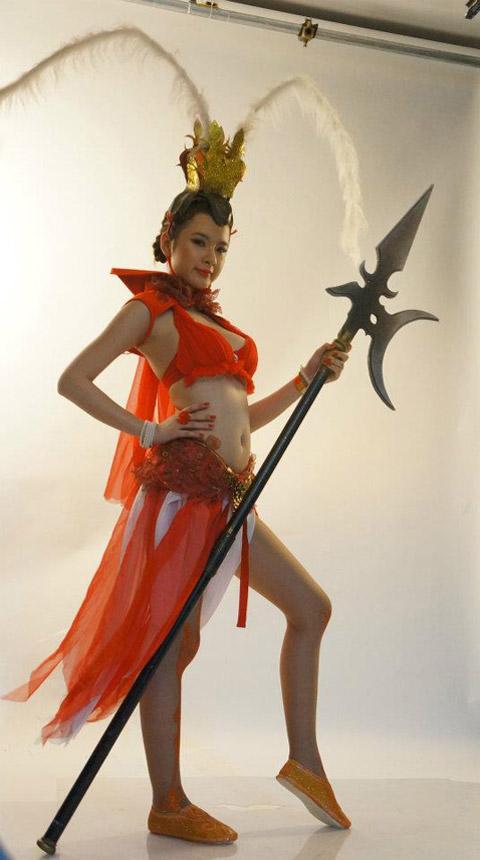 Chiến Ca lộ diện ảnh hậu trường của người mẫu đại diện 11