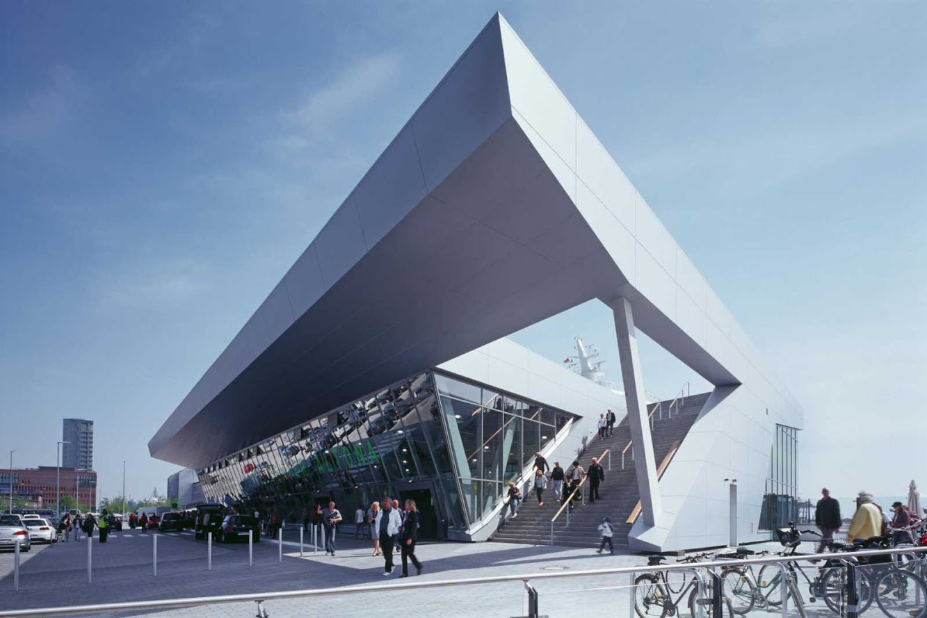 Amburgo, Germania: Hamburg Cruise Center Altona by Renner Hainke Wirth