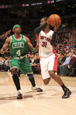 wearing brons nba lebron10 carbon terrence ross 01 Wearing Brons: Breds, Carbons, Canaries, Xmas, IDs and More!