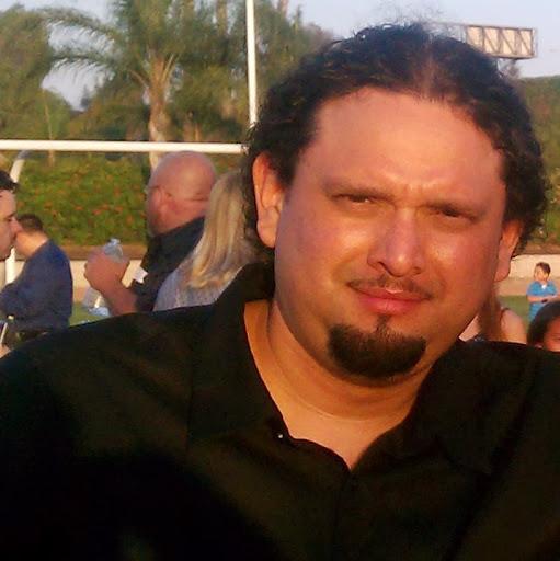 Rey Mendoza Photo 23