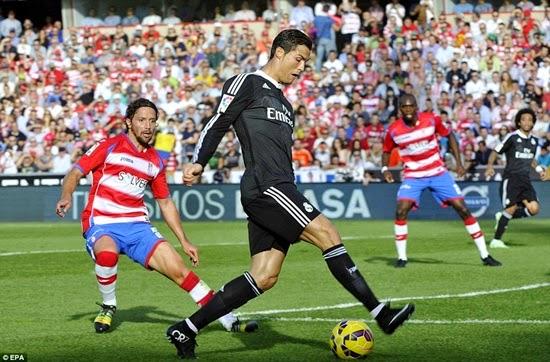 Thắng đậm Granada, Real Madrid nếm hương vị đầu bảng