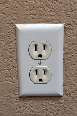 Two Tone Outlet and Cover