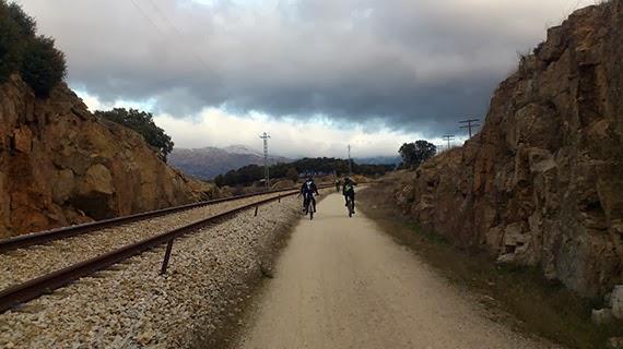 Ruta a Somosierra siguiendo la vía del tren, sábado 8 de febrero 2014 ¿Nos acompañas?