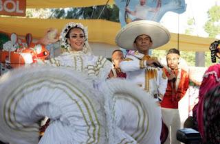 Eventos culturales con bailables folklóricos.