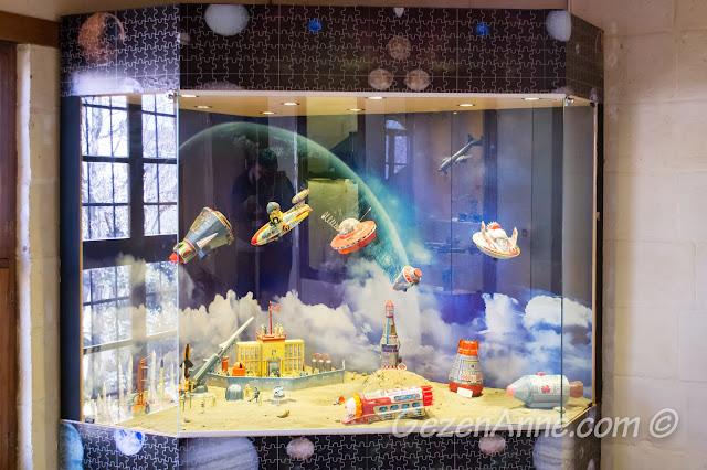 Gaziantep oyuncak müzesindeki uzay mekiği ve uzay maketleri