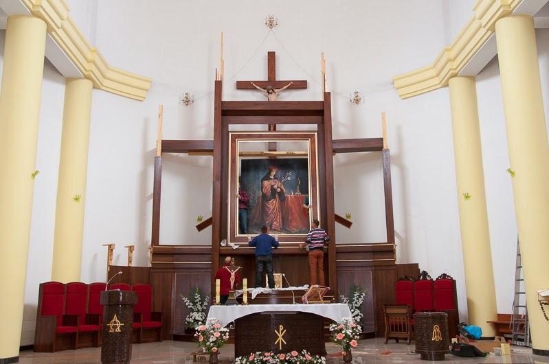 Nowy ołtarz w budowie