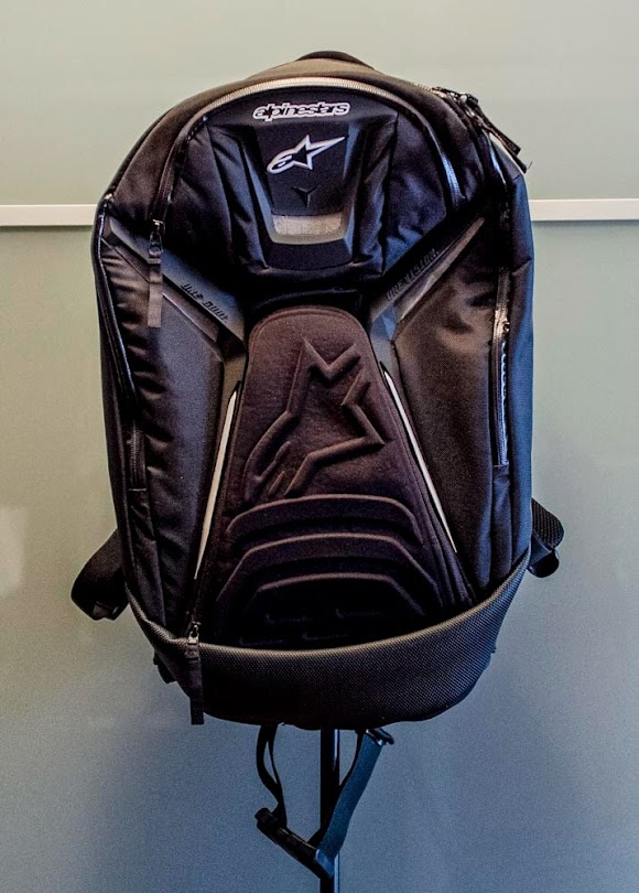 Sold fs alpinestars tech aero backpack triumph675 net forums - Alpinestars tech aero ...