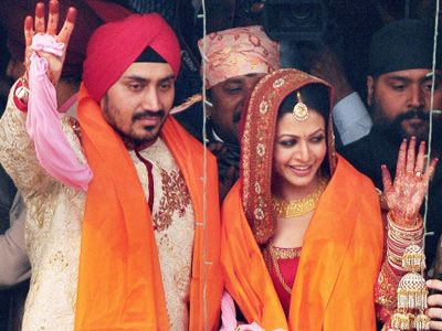 Tollywood actress Koel Mallick greeting her fans after her marriage with Nispal Singh Rane in Kolkata.