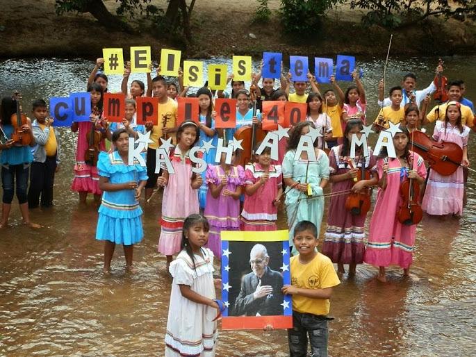 Niños y jóvenes kariñas, pertenecientes al Núcleo Kashama, estado Anzoátegui, rindieron homenaje al maestro Abreu