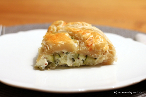 Schnelle Zucchini-Feta-Tarte mit Blätterteig aus dem Küchentagebuch von Nigel Slater