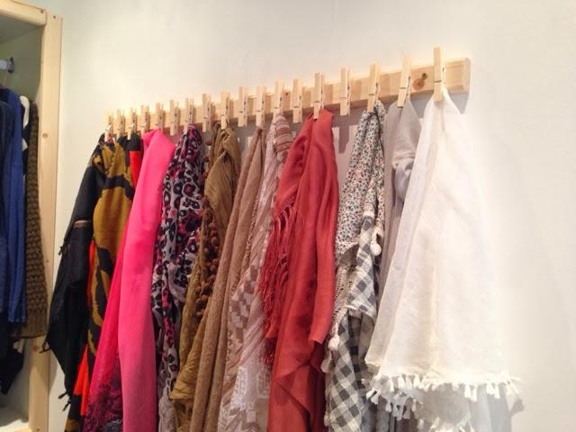 Diy un porte foulards caract rielle - Rangement pour foulard ...