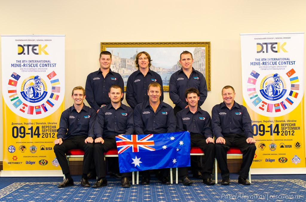 Команда горноспасателей из Австралии