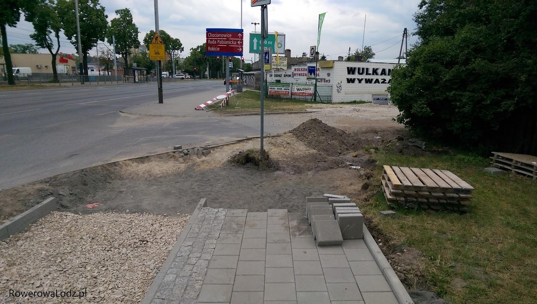 W tym miejscu DDR będzie skręcać w prawo aby ominąć budynek