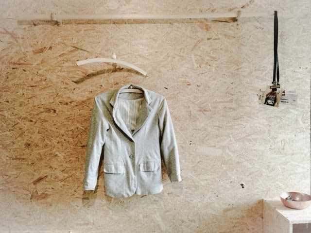 diy un porte manteau et son vide poche caract rielle. Black Bedroom Furniture Sets. Home Design Ideas