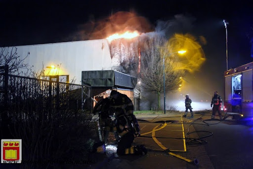 Uitslaande brand De Oude Molen Overloon 22-02-2013 (10).JPG