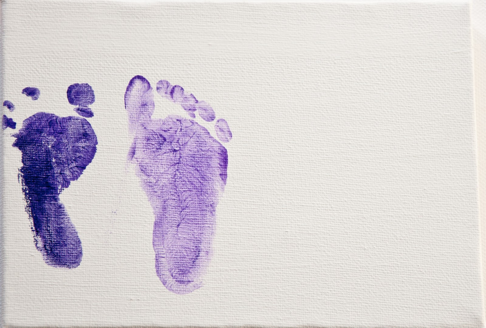 How To Make A Canvas With Baby Footprint