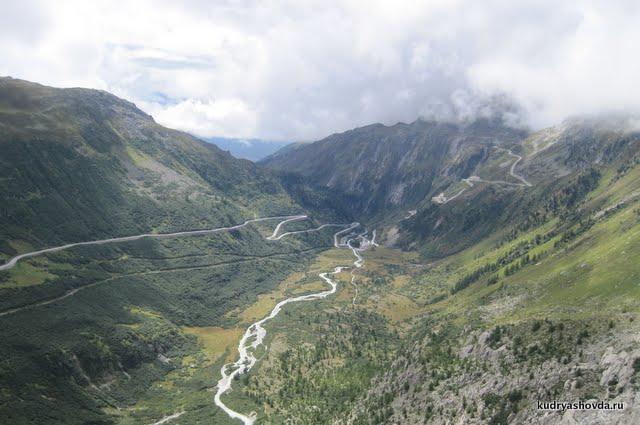Долина у ледника Рон