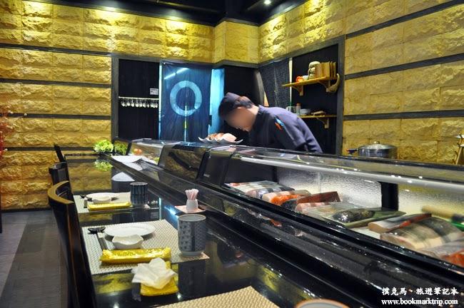 淺田屋日式料理料理檯前的座位