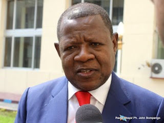 Lambert Mende Omalanga, Ministre congolais de la Communication et des médias, lors d'une interview à Kinshasa. Radio Okapi/Ph. John Bompengo