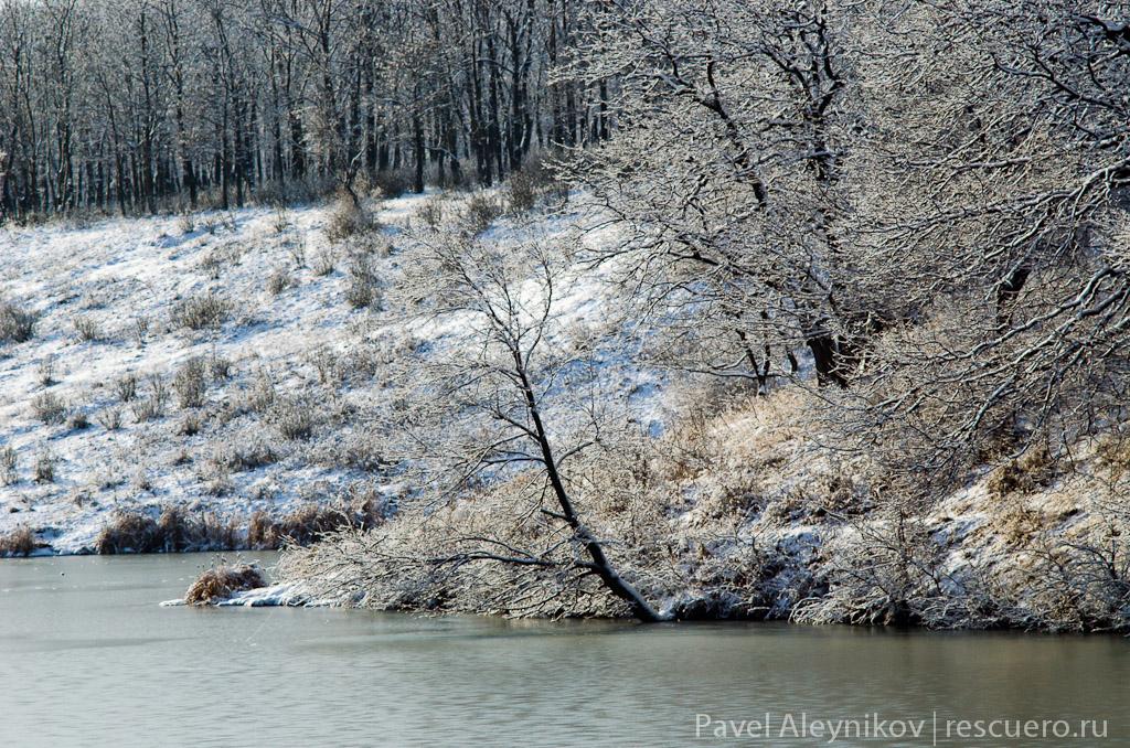 Плотина зимой. Торез