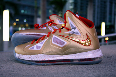 nike lebron 10 pe championship gold 6 01 Nike LeBron X Ring Ceremony PE   Pics & Video by Stickie213