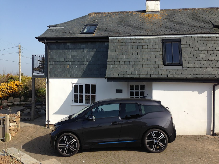 Ocean BMW i3 side on