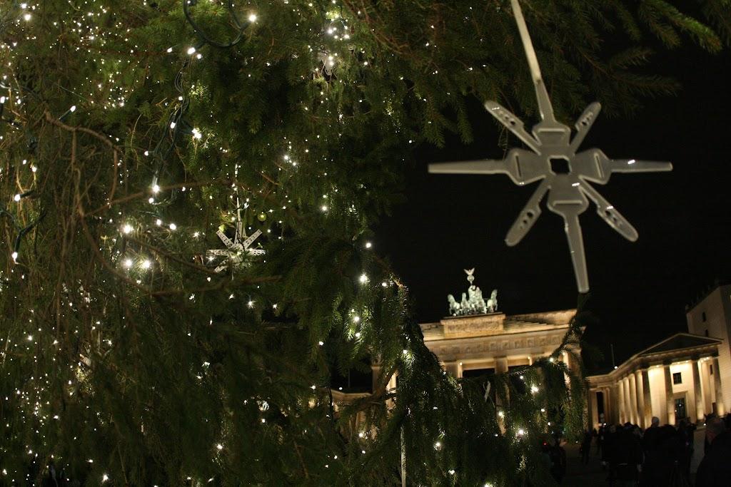 Weihnachtliche Stimmung auch am Brandenburger Tor.