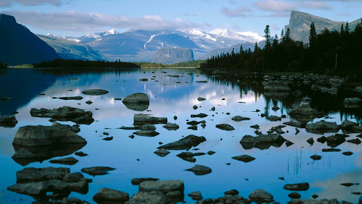 Laitaure Lake, Sarek National Park, Sweden.jpg