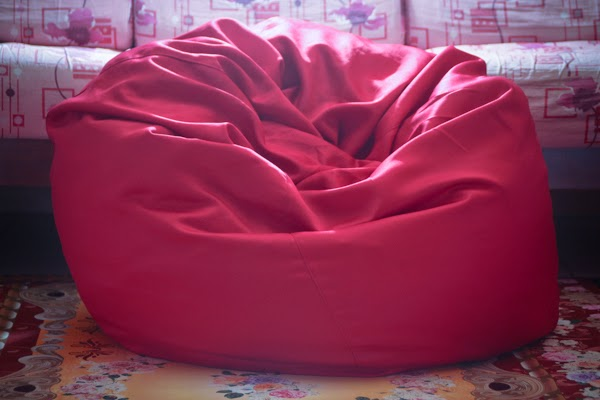 red eazy bean bag