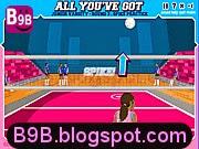 لعبة الفتاة المحترفة في التصدي لكرة التنس المدهشة والرائعة
