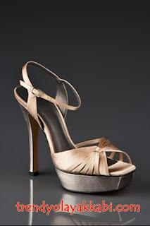 J.Lo Şampanya rengi nude renkte Ayakkabı