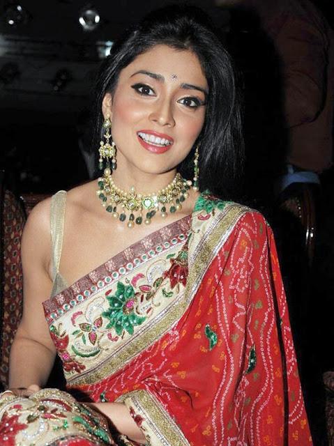 Shriya Saran at Wedding Vows magazine launch