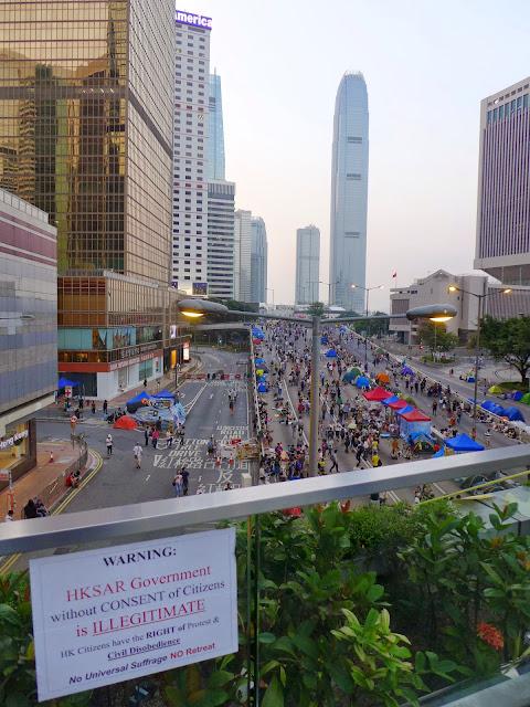 L1030196 The Umbrella Revolution в Гонконге - профилактический ремонт