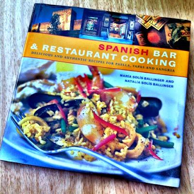 52 Cookbooks #21: Paella de esparragos y queso manchego