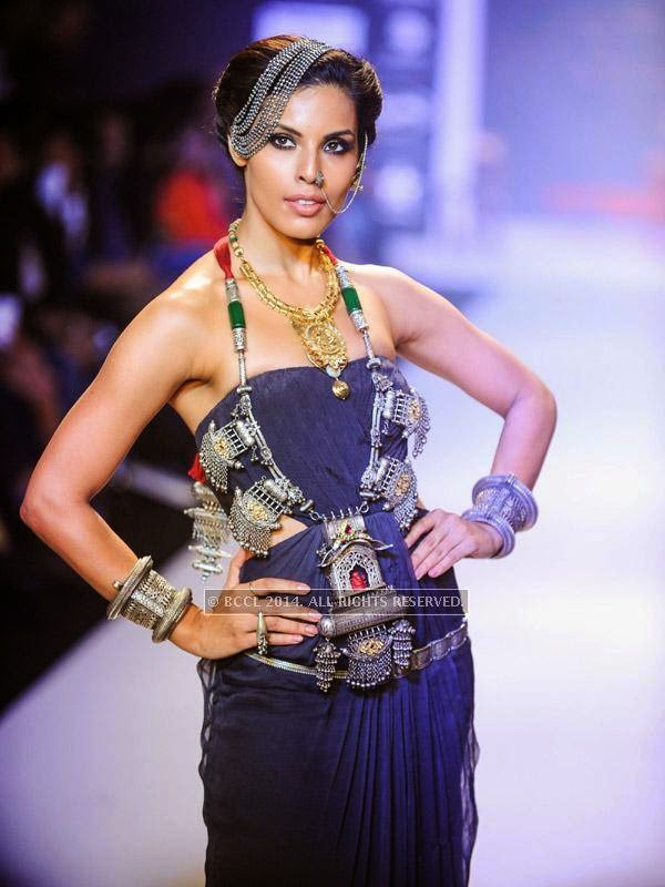 Dipti Gujral showcases a design by Apala by Sumit on Day 1 of India International Jewellery Week (IIJW), 2014 at Grand Hyatt, Mumbai.