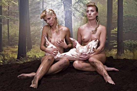 mulheres e animais Rem Van Den Bosch