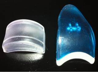 False eyelash applicator clip, stand, eylure
