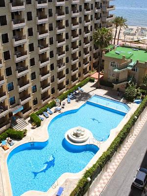 Apartamentos Ronda 4, Paseo Marítimo Rey de España, 96, 29640 Fuengirola, Málaga, Spain