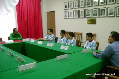 Visita del equipo de futbol rápido del Instituto San Eugenio