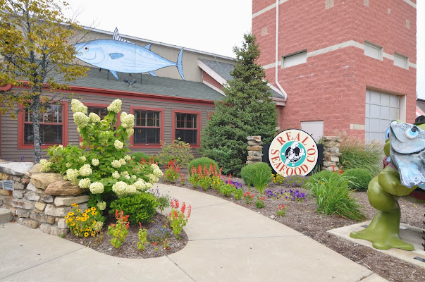 Real Seafood Company Toledo, 22 Main Street, Toledo, OH 43605, United States