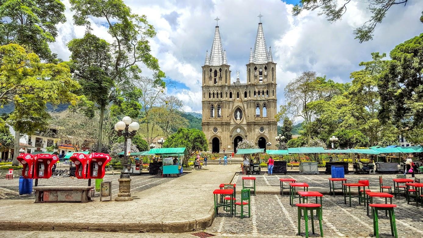 Parque el libertador Jardin Antioquia