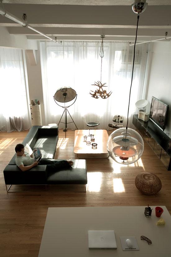 Mid century Modern Saarinen Table White Neutral