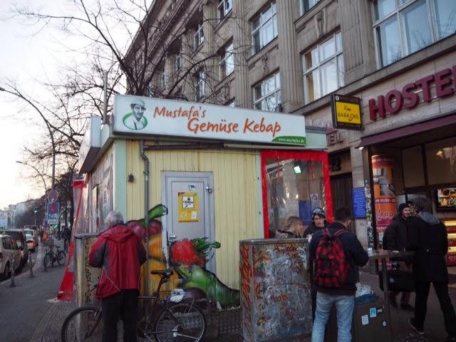 kebab kioski, ruoka koju, berlin, berliini, kreuzberg, mehringdamm, kebab, kebap, kepab, doner, döner, ruoka, food,