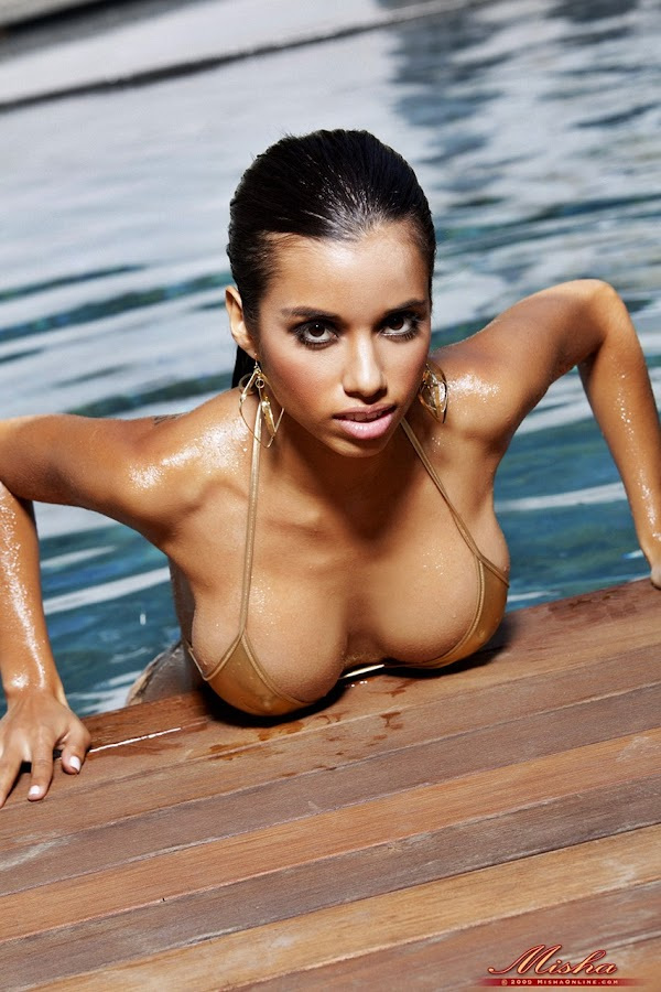 Lupe Fuentes is Worth Her Weight in Gold:babe,hot0