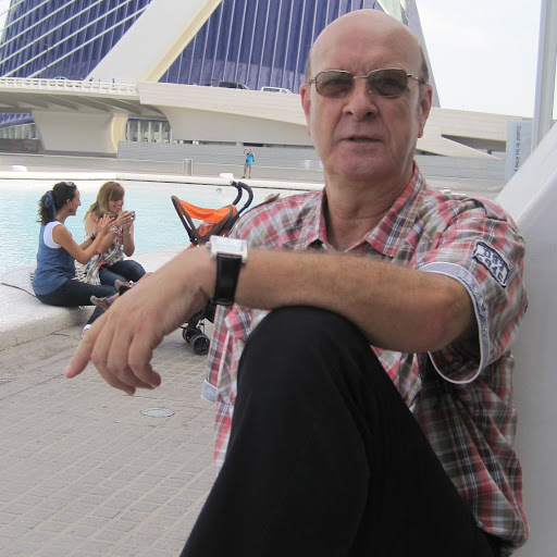 Isidro Moreno Photo 20