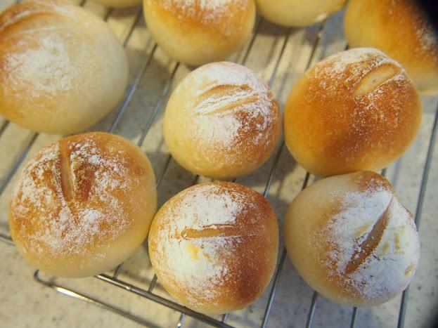 幸栄 パン作り