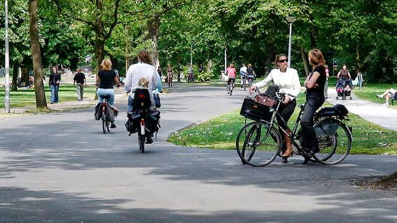 Costumbres ciclistas en Amsterdam