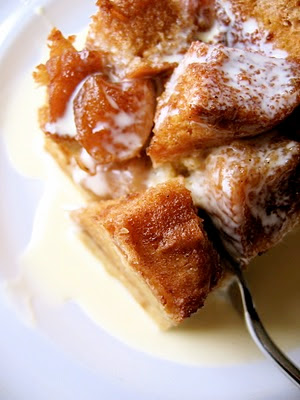 close up of caramelized apple bread pudding