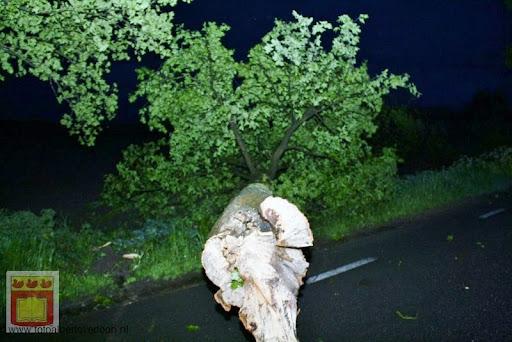 Noodweer zorgt voor ravage in Overloon 10-05-2012 (24).JPG