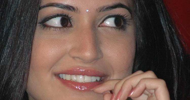 INDIAN ACTRESS GALLERI: Kriti Kharbanda stills @ Pawan